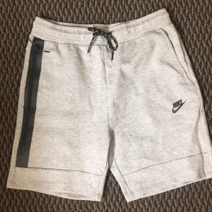 Nike Tech Fleece Gray Shorts Mens medium